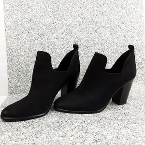 Vince Camuto Women's Federa Suede Ankle  Booties